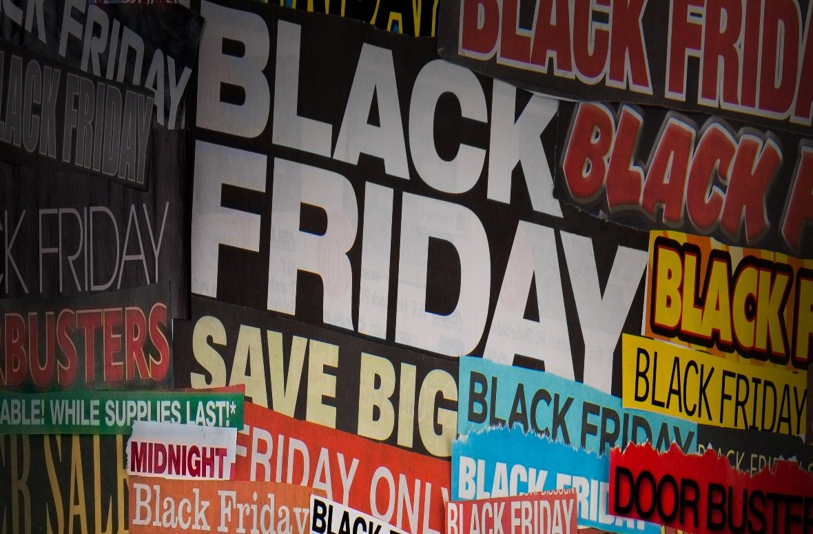 "Black Friday Buzz - ""Black Fiveday"" goes viral"